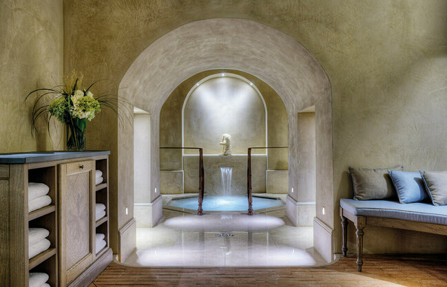 Gallery thumb arno spa   roman bathtub